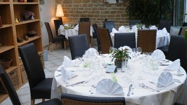 restaurant les jardins de villennes villennes sur seine 78670. Black Bedroom Furniture Sets. Home Design Ideas