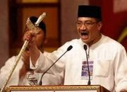 http://omong.files.wordpress.com/2007/03/windowslivewriterhishammuddindefendsputeraumnonorthpolesk-b764hishamuddin.jpg
