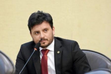 Recuperação de estradas motiva requerimentos de Carlos Augusto Maia.