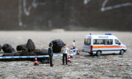 Little people in the city: street art of Slinkachu