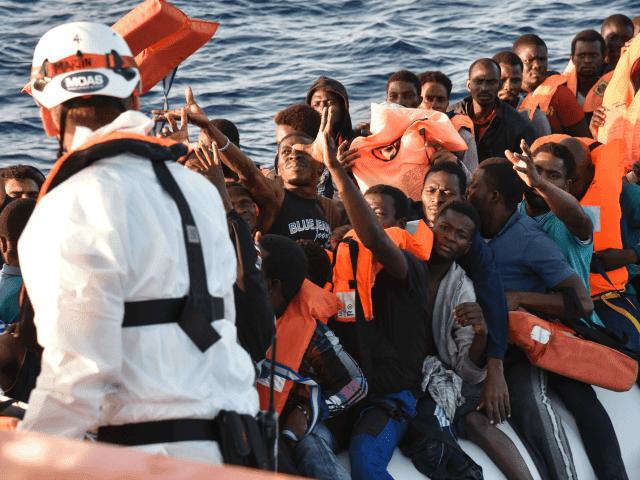 Risultati immagini per mass migrant italy