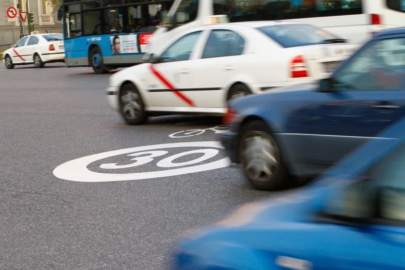 Cuando vayas en coche, adopta una bici