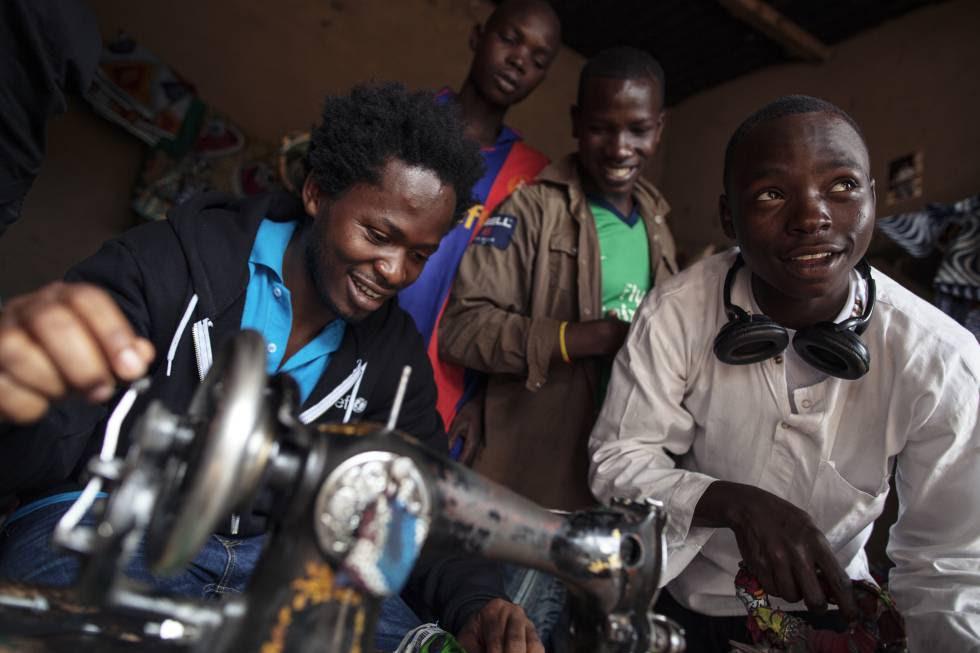 El embajador de Unicef visitó en 2012 un proyecto de formación profesional para ex niños soldado en República Centroafricana.