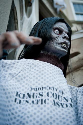 HalloweenExterior2011-7