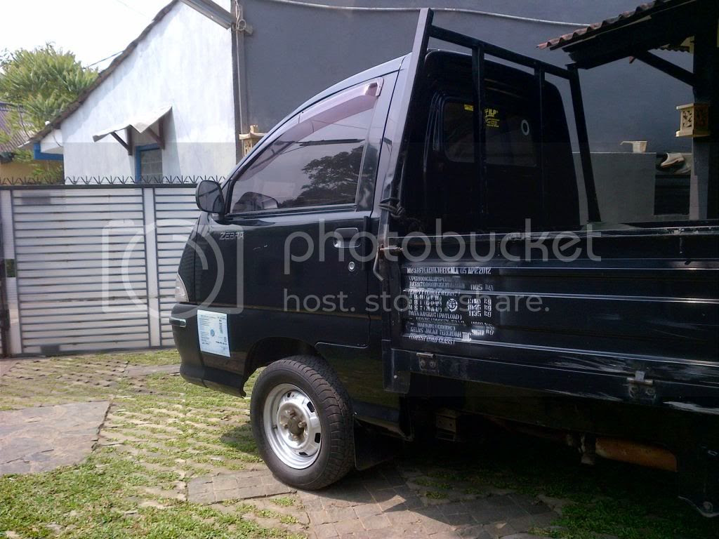 JUAL: Daihatsu zebra pick up cargo 2005 – pu hitam title=