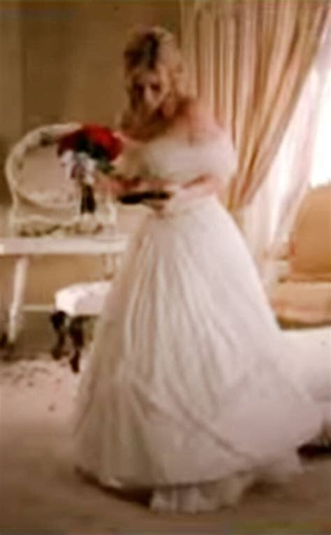16. Kelly Clarkson from Best Wedding Dresses From Music