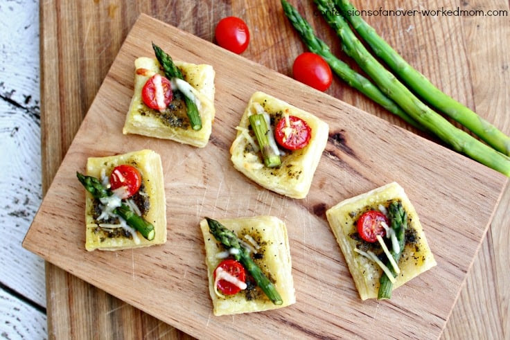 Asparagus Tomato Parmesan Squares | Confessions of an Overworked Mom