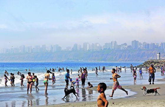 Playa de Agua Dulce en el distrito limeño de Chorrillos.