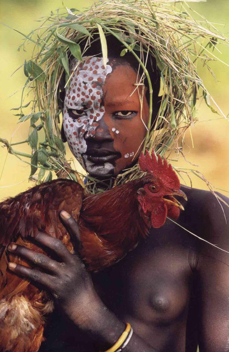 A beleza das Tribos Surma e Mursi, uma cultura em perigo, no sul de Etiópia 39