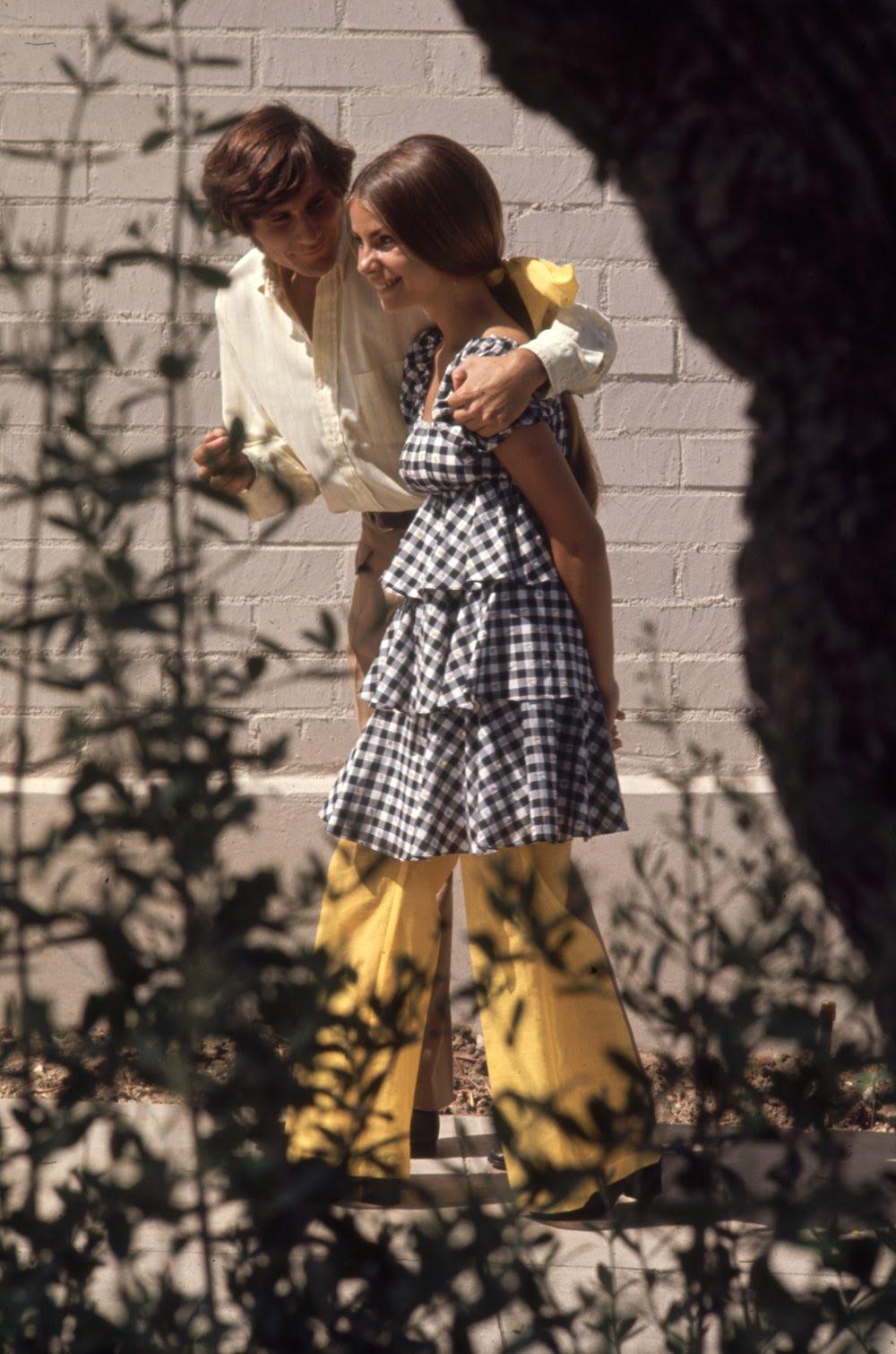 Estas colegiais dos anos 60 se vestiam bem, inclusive para hoje em dia 09