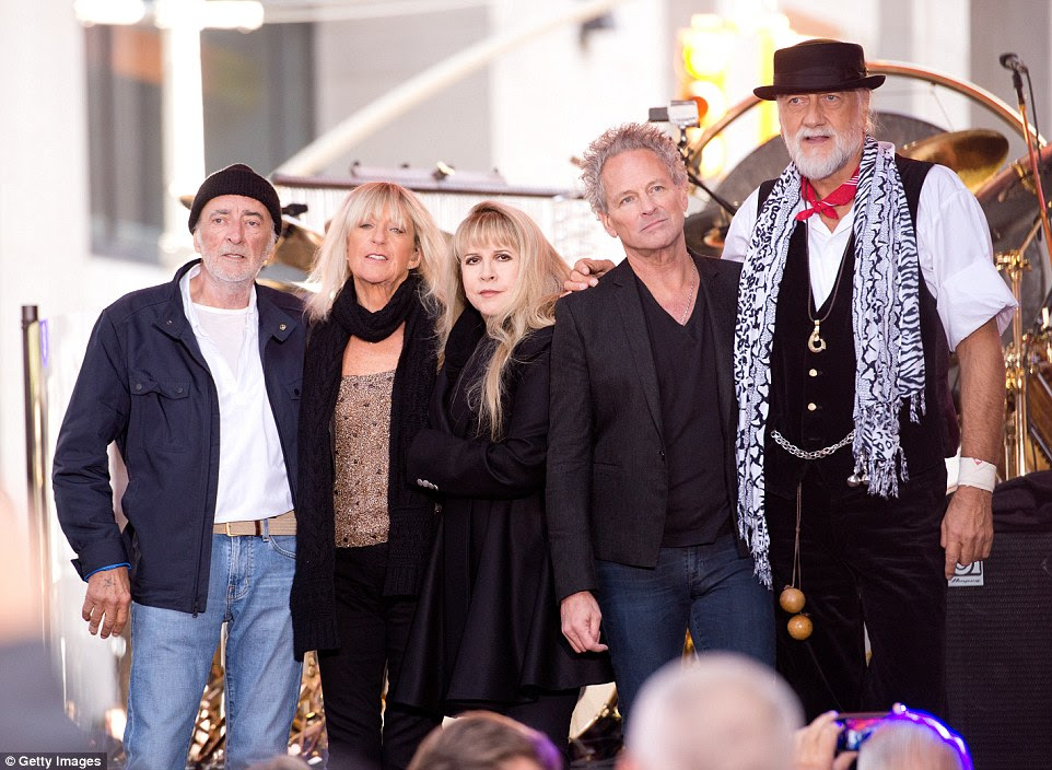 Fleetwood Mac S Christine Mcvie Puts Kent Mansion On Sale For 3 5m Daily Mail Uk Fleetwood Mac Lindsey Buckingham Articles From The Uk And Around The World