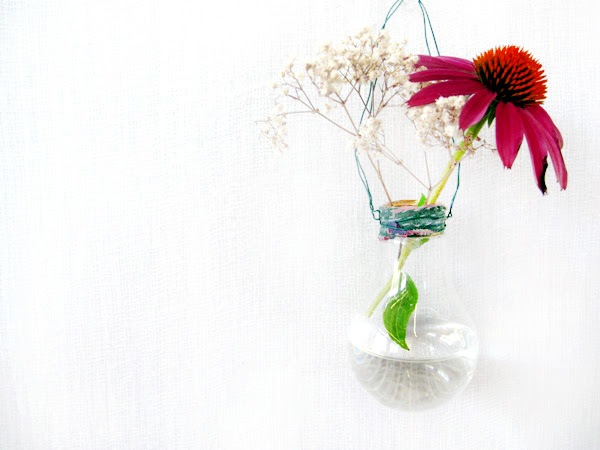 Post image for DIY Light Bulb Vase