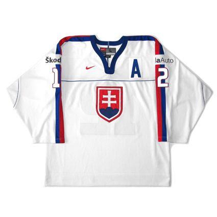 Slovakia 2002 WC jersey photo Slovakia2002WCF.jpg