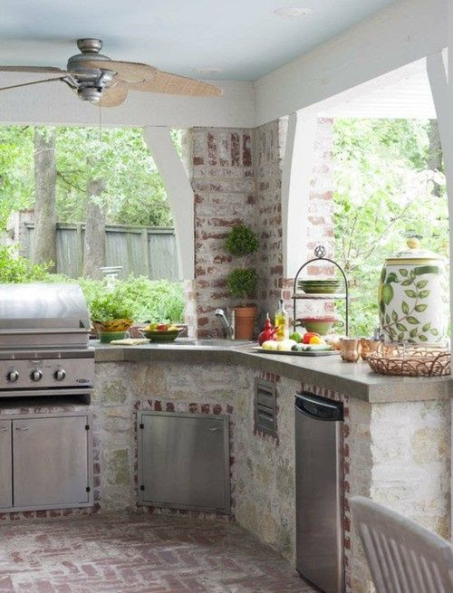 25 Amazing Outdoor Kitchens