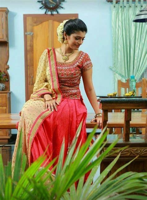 Wedding   wedding in 2019   Kerala engagement dress