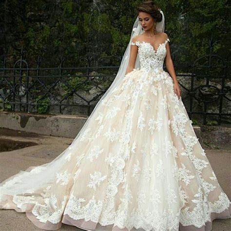 beautiful princess Spaghetti Straps bride wedding dress