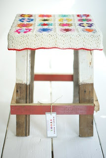 wood & wool stool nikki