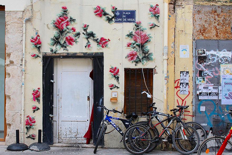 -Stitch-rue-installations floral-cross-raquel-rodrigo -7