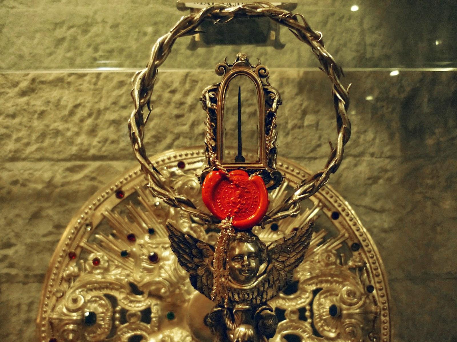 Η Ιερά Άκανθα του Αγίου Νικολάου στο Μπάρι της Ιταλίας. http://leipsanothiki.blogspot.be/