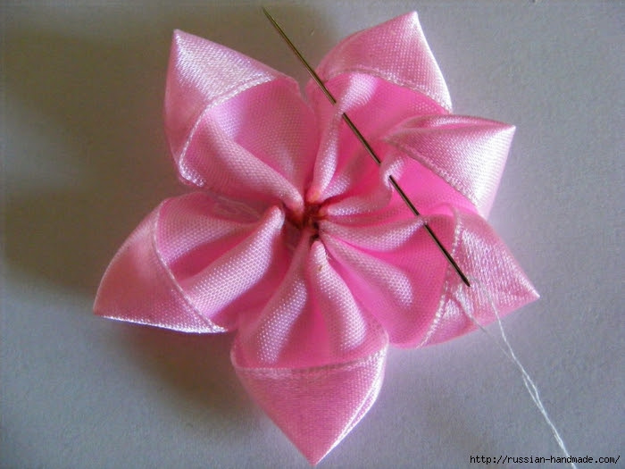 Headband hair with flowers of satin ribbons.  Master class (16) (700x525, 276Kb)