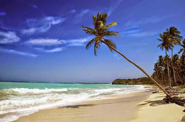 Anyer Beach as the Primary Tourist Attraction in Banten