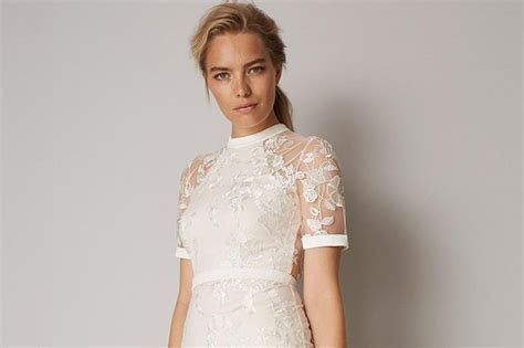 Wedding Dresses for Older Brides: Top Tips and 21 Gorgeous