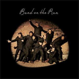 http://upload.wikimedia.org/wikipedia/en/f/f4/Paul_McCartney_%26_Wings-Band_on_the_Run_album_cover.jpg