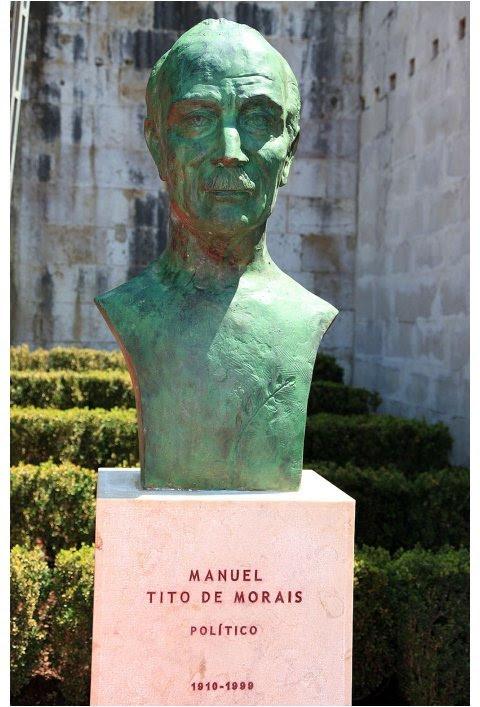 Busto de Tito de Morais