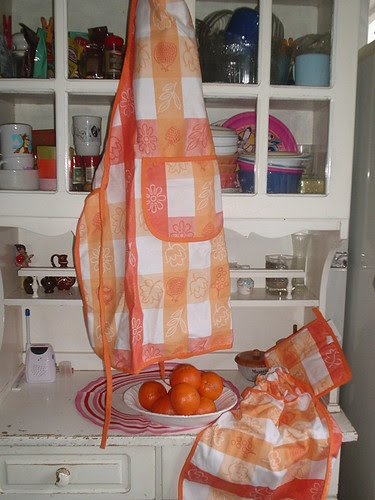 Apron, bread bags and pot holder