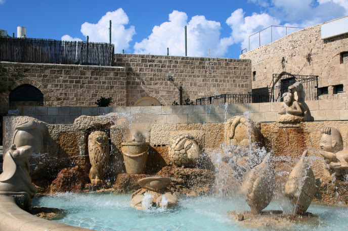 Jaffa Zodiac Fountain image via Shutterstock.com