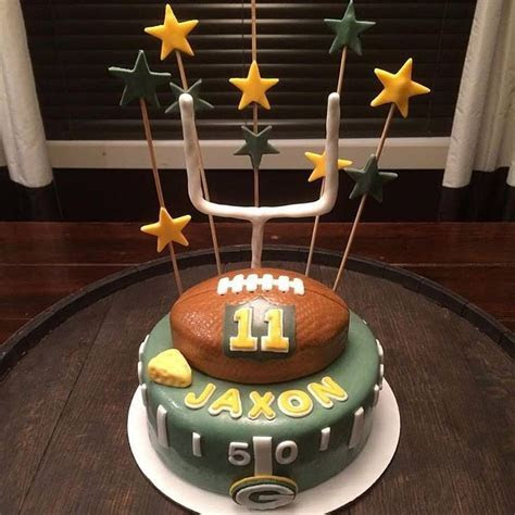 17 Best ideas about Packers Cake on Pinterest   Green bay