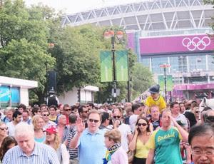 Saída de Wembley após partida (Foto: Cahê Mota / Globoesporte.com)