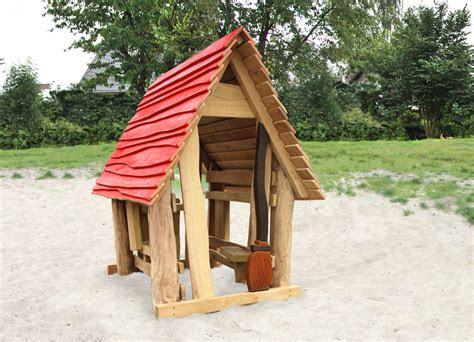 spielhaus hexenhaus aus robinienholz ziegler spielplaetze