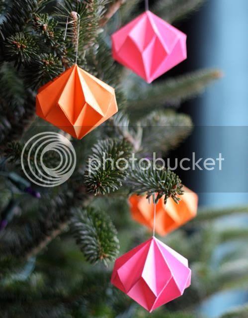 photo origami-diamond-ornaments001_zps3fd01d4a.jpg