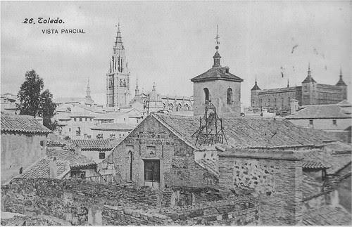 Iglesia de San Bartolomé a principios del siglo XX. Foto Lacoste