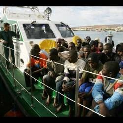 La disperazione dei profughi alla deriva