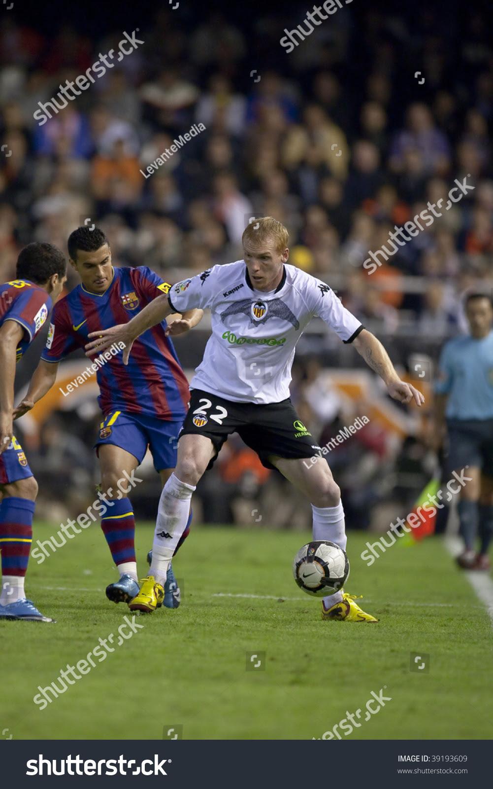 Valencia - October 17 : Mathieu (R) Of Valencia Fc In ...