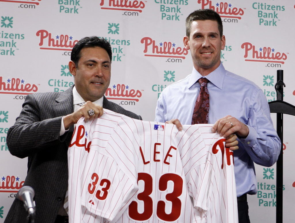 http://media.lehighvalleylive.com/sports_impact/photo/cliff-lee-re-signs-e1b28cd4fff98e0f.jpg