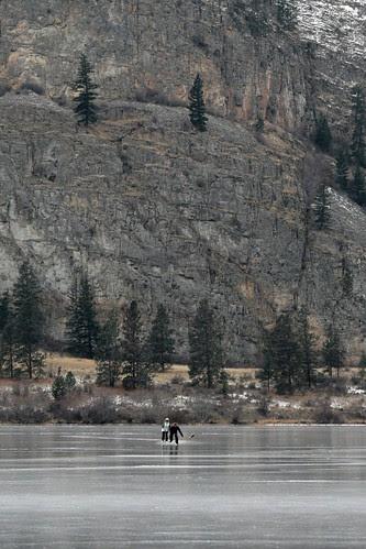vaseux-cliff-skaters