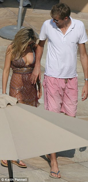 Abbey and Crouch take a break in Dubai