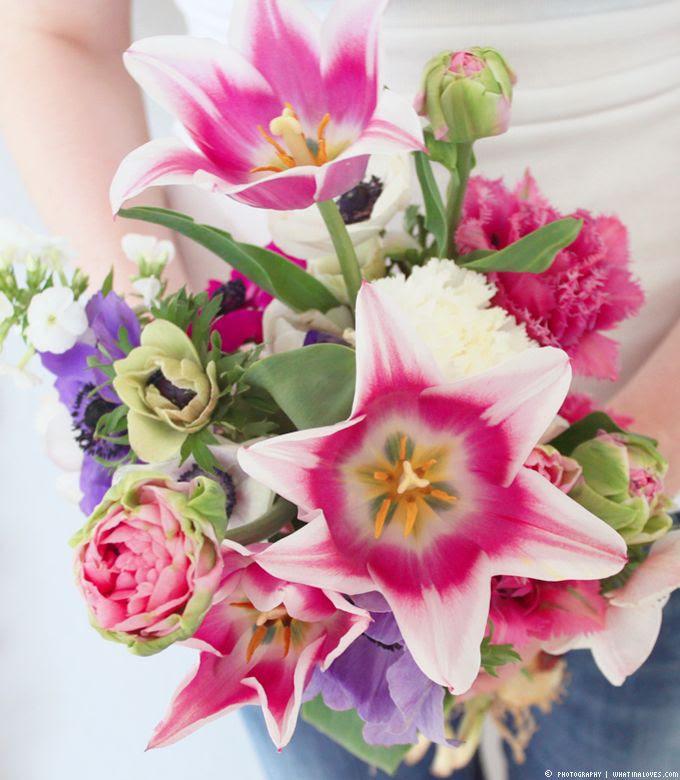 http://i402.photobucket.com/albums/pp103/Sushiina/cityglam/flowers2_zps5727f081.jpg