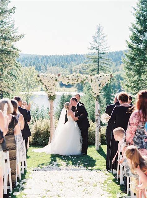 Romantic Champagne Gold Montana Wedding   MODwedding