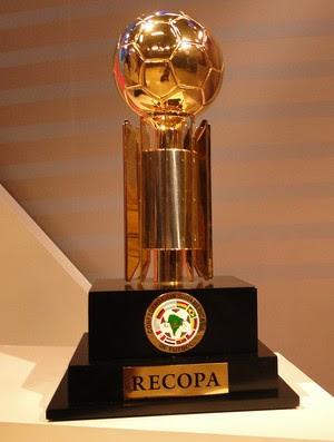 Resultado de imagem para trofeu recopa 2013