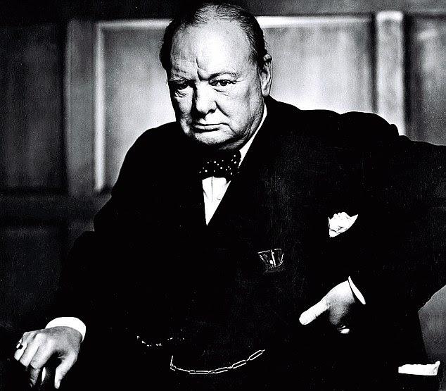 Isto tem tudo que você espera em uma fotografia Churchill: a autoridade, a expressão bulldog.  Tudo, mas o charuto, porque Karsh tirei ele, que fez cara feia ainda mais Churchill