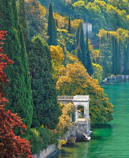 Lake Como, Italy | Incredible Pictures - Double click on the photo to design&sell a #travelguide to #Italy www.guidora.com