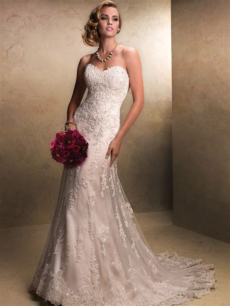 Strapless Tulle & Lace Wedding Gown By Maggie Sottero Emma