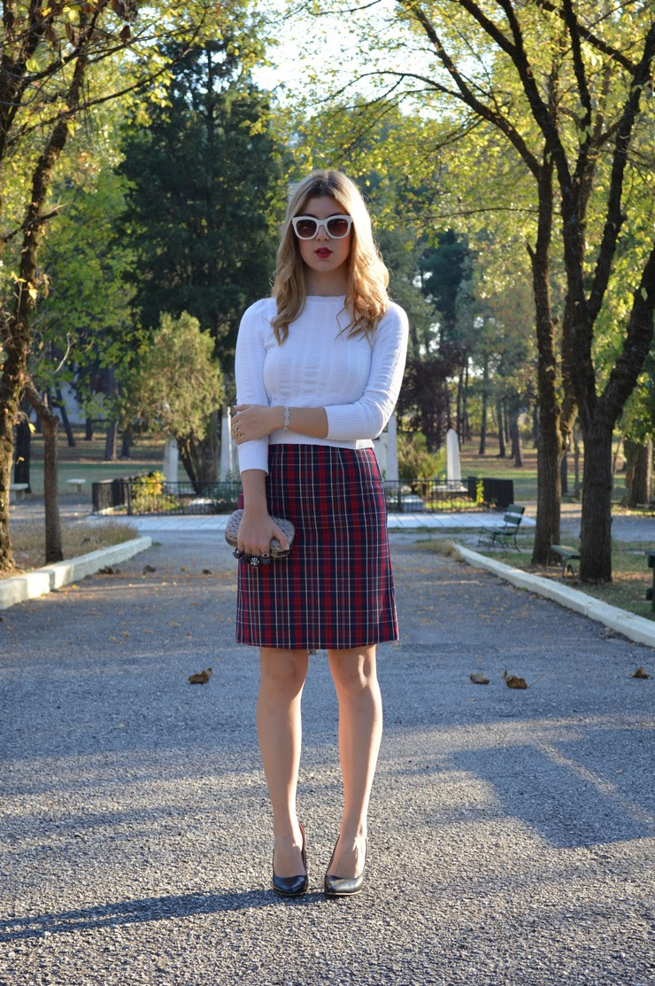 check skirt white top15