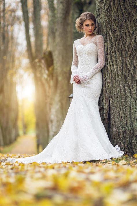 Long Sleeve Lace Fishtail Wedding Dress for Perfect