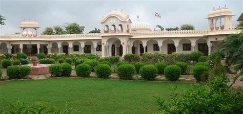 Photo Blog on Royal Wedding Venue  Amar Mahal, Orchha   orchha