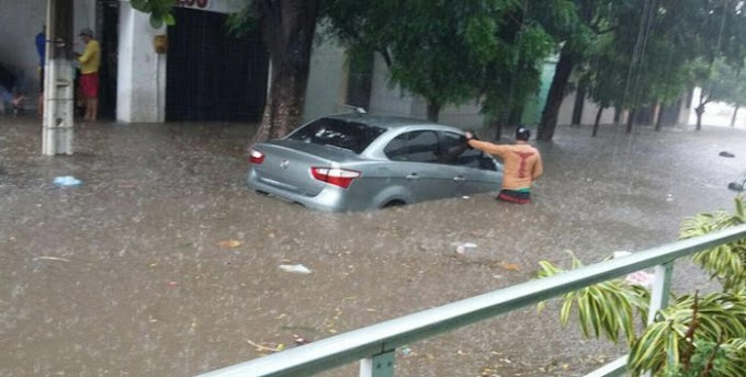 Chuva em Jardim do Seridó deixa ruas alagadas e carros imersos